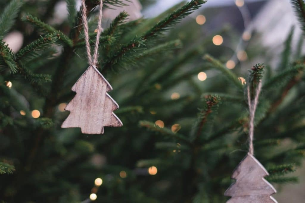 Christmas tree with handing wooden craft